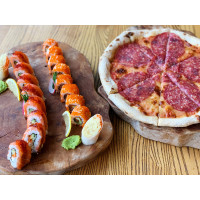 Сет 1: Ролл Філадельфія з лососем і Каліфорнія рол з лососем + Піца Маргарита з салямі